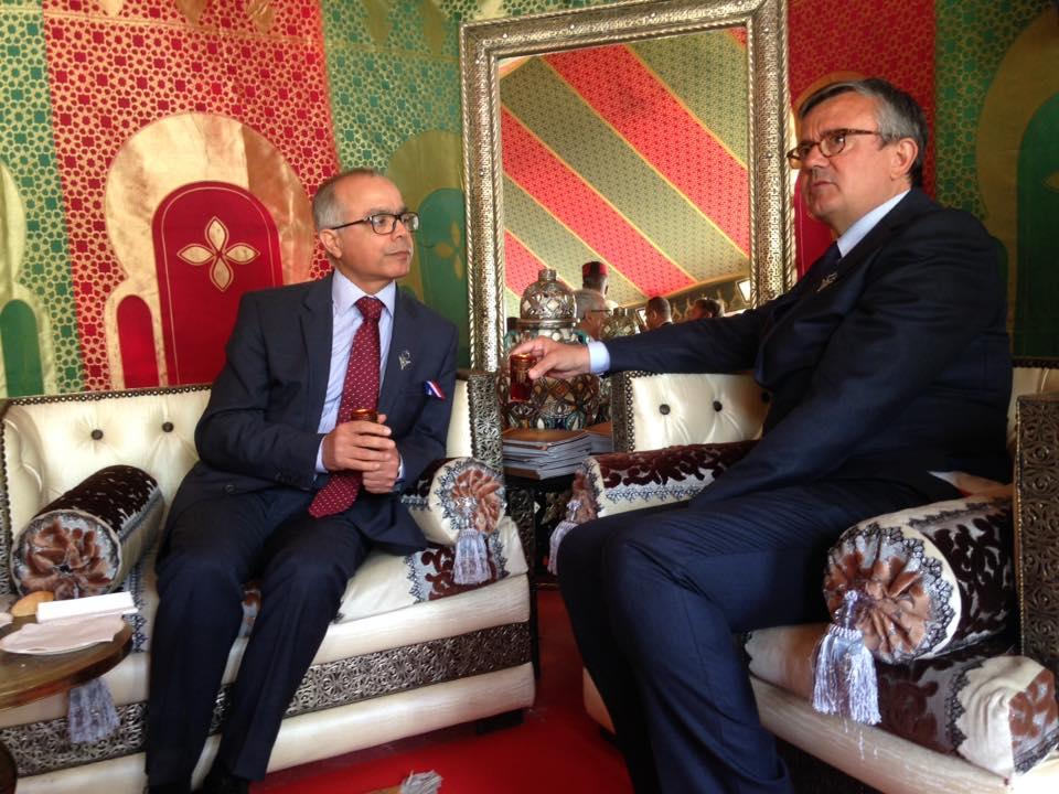 Son Excellence, l'Ambassadeur du Royaume du Maroc,  Monsieur Chakib BENMOUSSA et Monsieur le Député Maire Yves Jégo