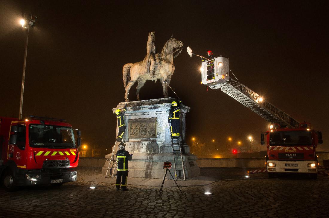 10 -  Les Sapeurs-Pompier de Montereau